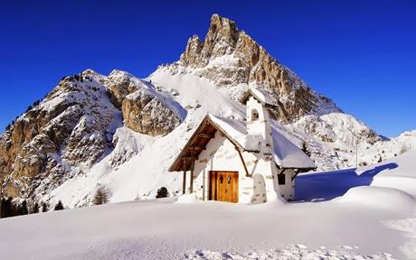 poze de iarna-cabana-munti