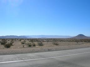 037 - Desierto entre California y Nevada.JPG