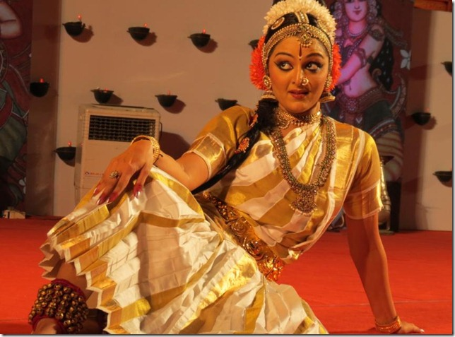 manju warrier dancing still1