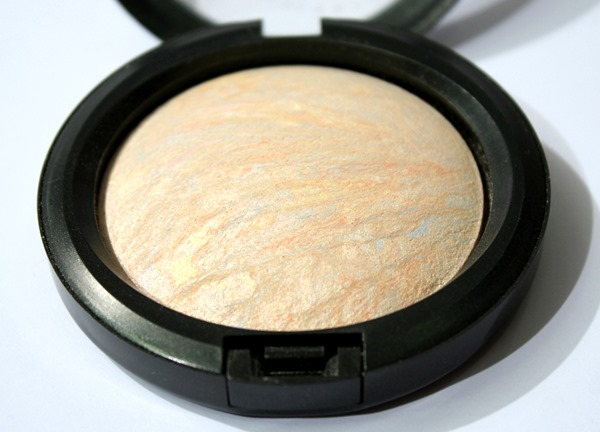 LightscapadeMineralizeSkinfinishMAC3