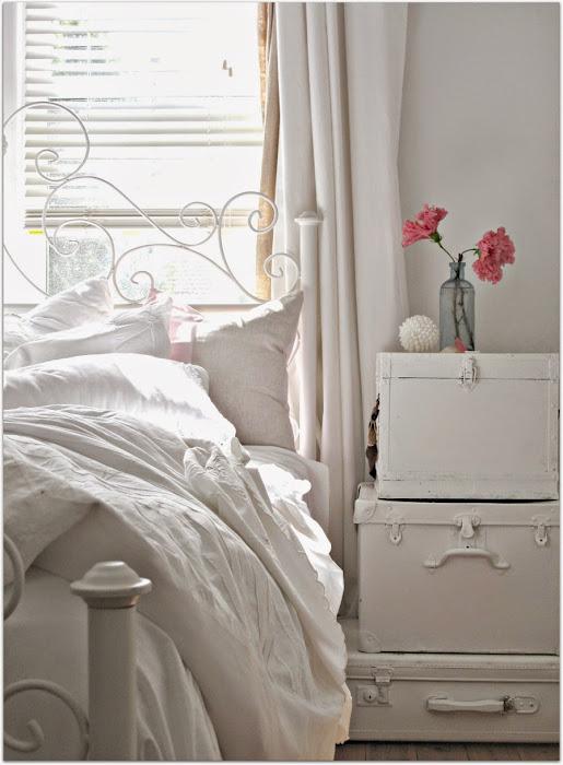 201004-Vintage-Bedroom-Things-07.jpg
