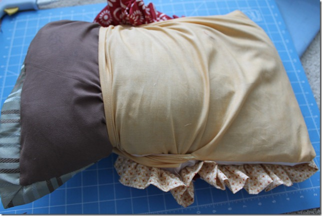 ruffle pillow (15)