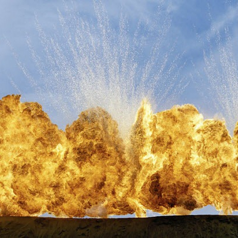 Geoffrey H. Short's Gorgeous Photographs of Explosions