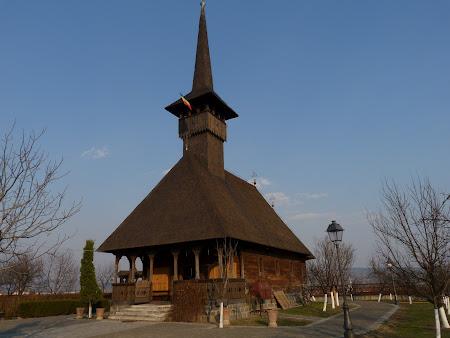Biserici Romania: bisericuta de lemn Alba Iulia
