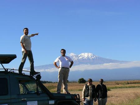 Imagini Tanzania: Kilimanjaro pe soseaua Arusha - Moshi