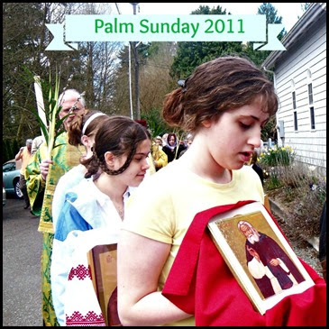 Tailorbear and Turtlegirl in the Palm Sunday procession.