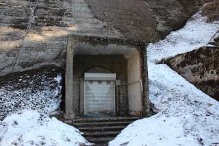 監査廊入口を望む