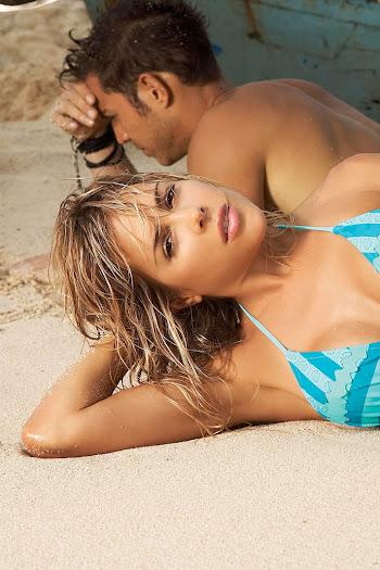 Natalia Paris Swimsuit Foto 8
