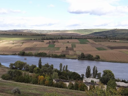 Basarabia - Drumul Vinului: Lacul de la Romanesti