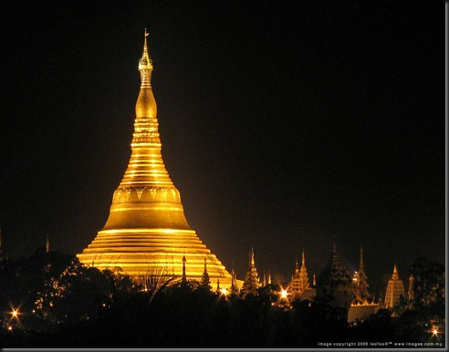 Shwedagon_Pagoda_niteD