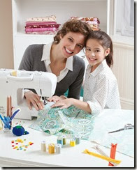 mom_girl_sewing33293