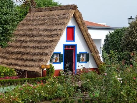 18. Casa traditionala din Madeira.JPG