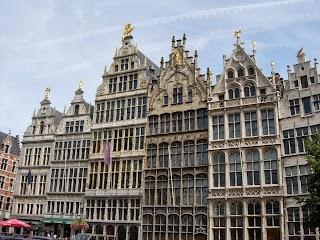 Maisons sur la Grande Place à Anvers