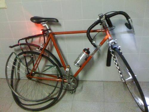 Bicicleta acidentada do Mário Meireles