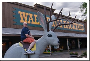 2011Aug2_Wall_Drug-Bubba