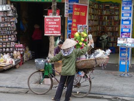 06. Scene din Hanoi.JPG