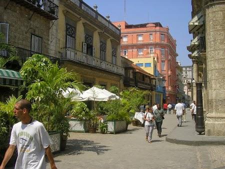 13. Strazi centrale in Havana.jpg