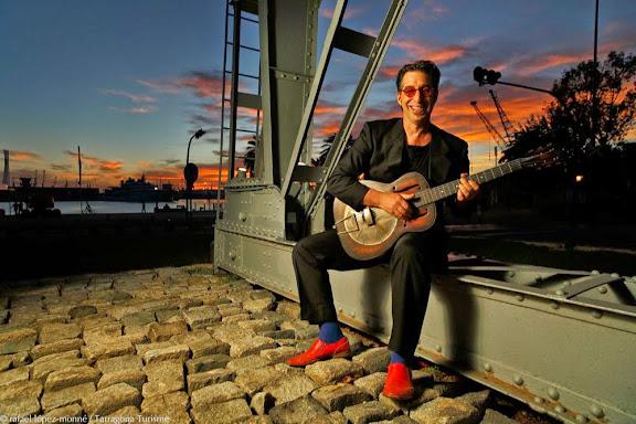 Richard White.Músic de Blues. Director del Festival internacional de Blues de Tarragona. Tarragona, Tarragonès, Tarragonaricardblanc@gmail.com /  645 02 89 70.