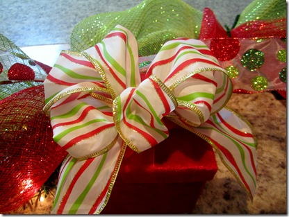 Bow On Gift Box Decor