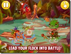 قم بقيادة فريقك من الطيور الغاضبة خلال المعركة
