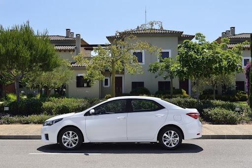 2014-Toyota-Corolla-36.jpg