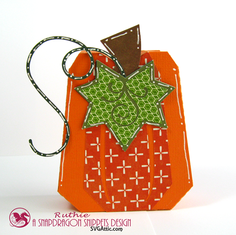 Pumpkin box - SnapDragron Snippets - Ruthie Lopez - Thanksgiving table decoration. 3
