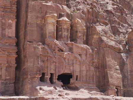 Fatade la Petra