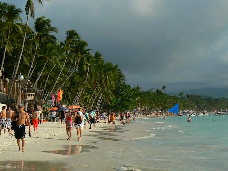Plaje Filipine: pe plaja la Boracay