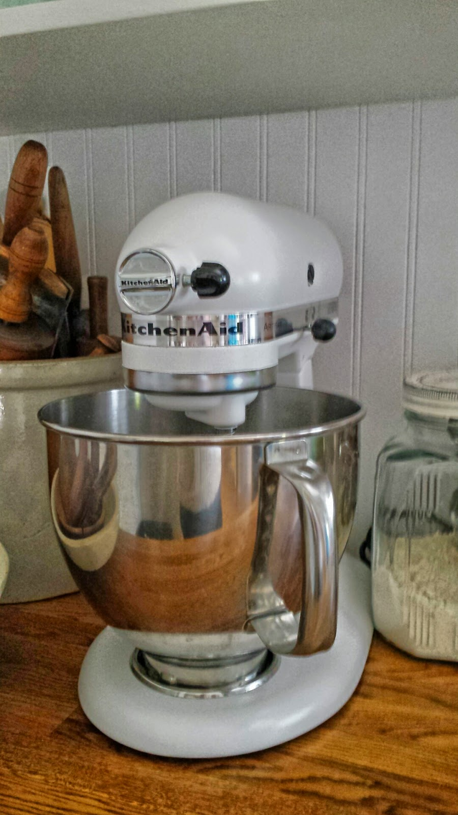 rustic farmhouse kitchenaid mixer makeover
