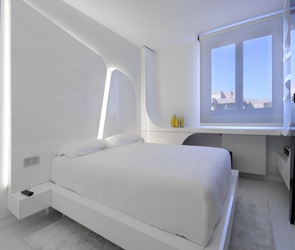 moderna-habitacion-ilumimacion-cabecera-cama