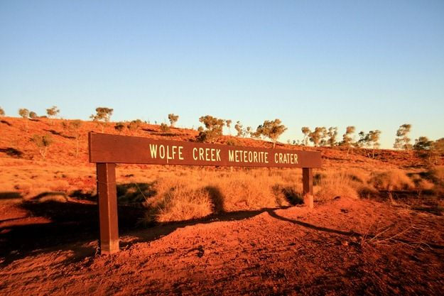 Wolfe Creek Meteor Crater sign.png
