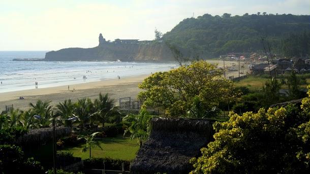 montanita playa ecuador.jpg