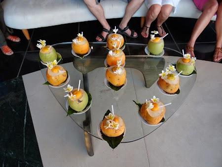 Cocktail in nuca de cocos