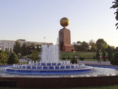09. Piata Centrala din Taskent.JPG