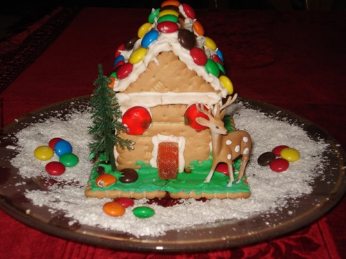 christmas_biscuit_house_2_by_darienshieldsgreece-d32085p