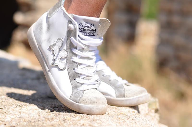 outfit, corsica, summer 2013, le crown sneakers, vespa trip, italian fashion bloggers, fashion bloggers, street style, zagufashion, valentina coco, i migliori fashion blogger italian