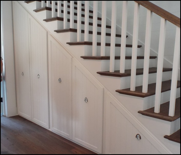 under stair storage 2