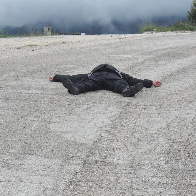 רוני ממחיש משבר '' יכולתי עכשיו לשחק עם הנכדים במקום להתרוצץ על הכבישים הרטובים האלה''  .jpg