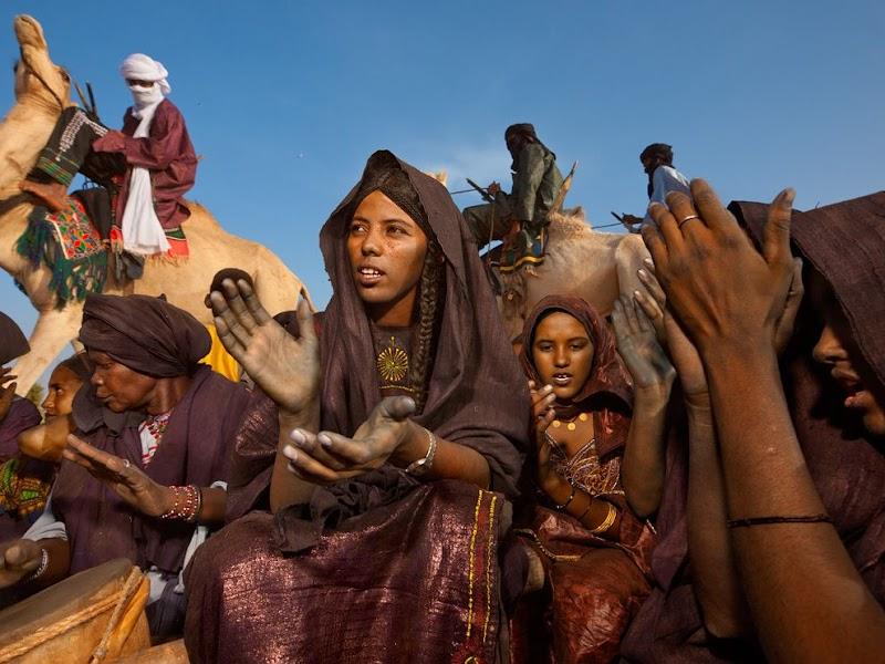 tuareg-women-birth-celebration_38223_990x742.jpg