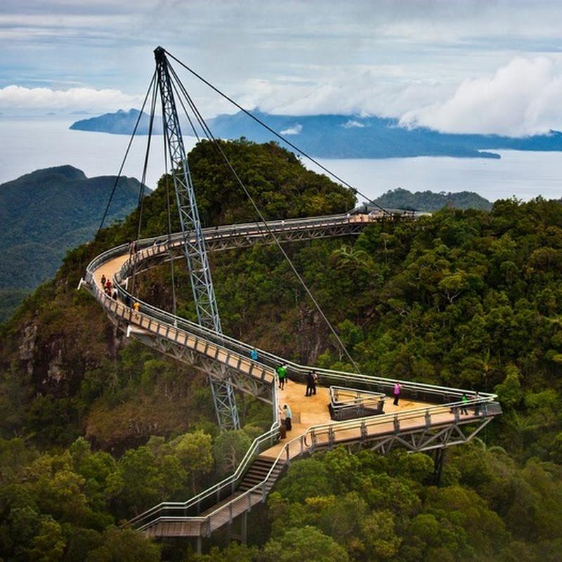 Langkawi Malaysia: The Langkawi Sky Bridge In Malaysia