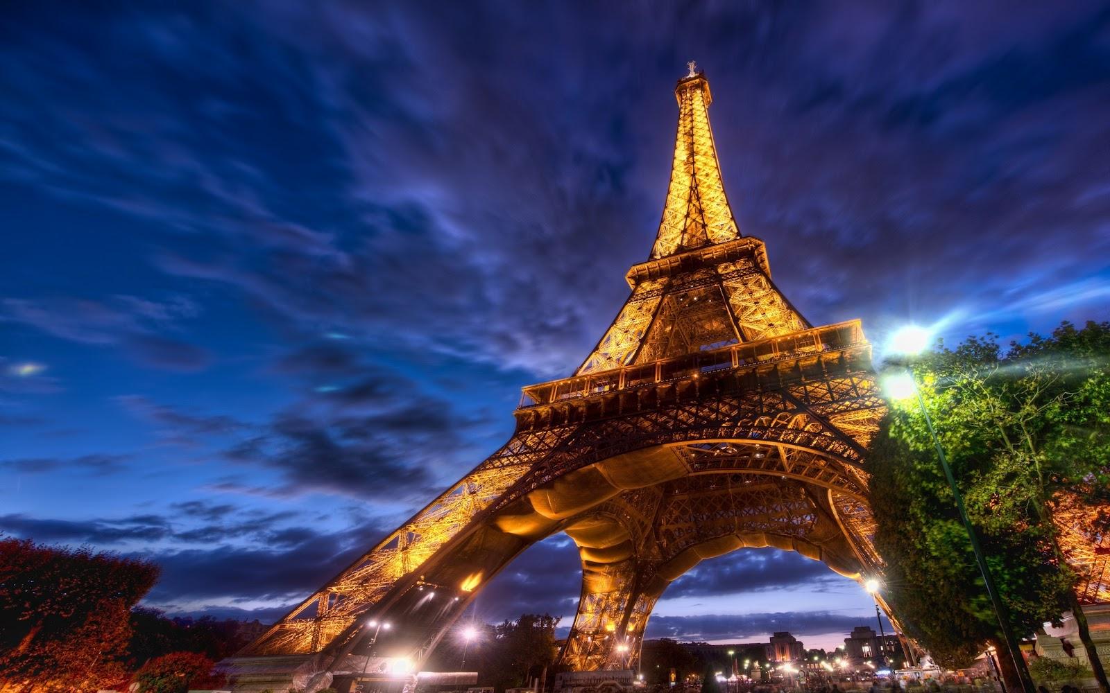 Paris Thumbgal