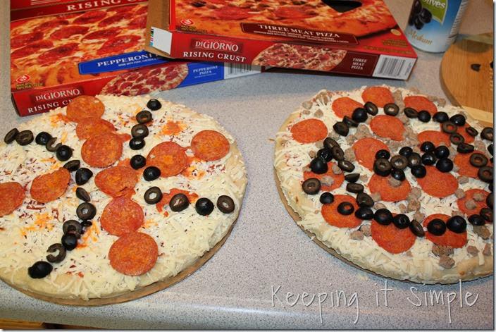 DiGiorno-basketball-and-football-pizza #shop (3)