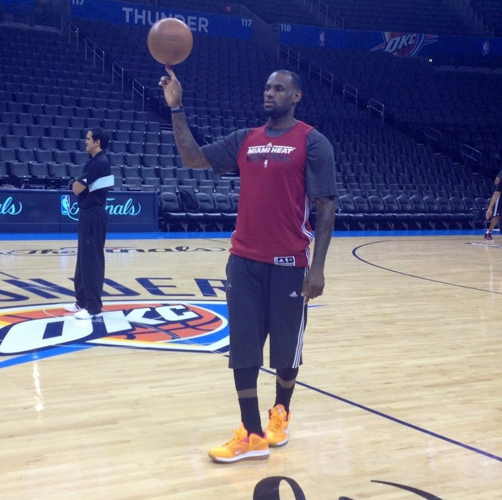 the latest f66d9 41962 LeBron James Rocks Nike LeBron 9 Low 8220Floridians8221 During Practice ...