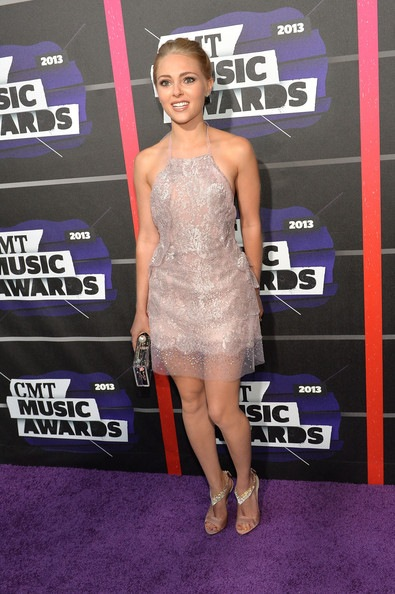 AnnaSophia Robb attends the 2013 CMT Music awards