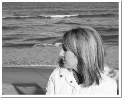 Kim on Beach (800x619)