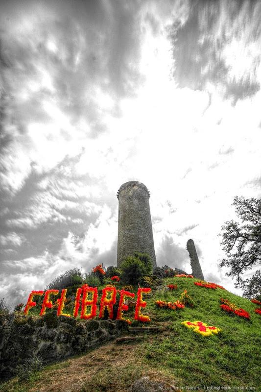Felibre Sign piegut tower