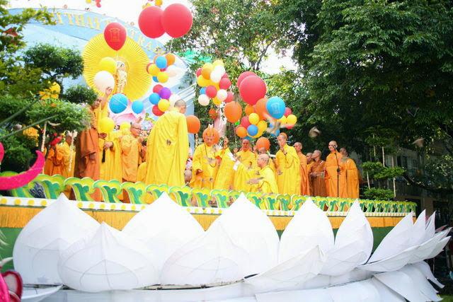 IMG 1868 Đại lễ Phật đản PL 2557 tại Tu viện Quảng Hương Già Lam
