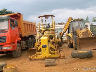 Engins de l'Office des Routes, décembre 2010,Bunia, RDC