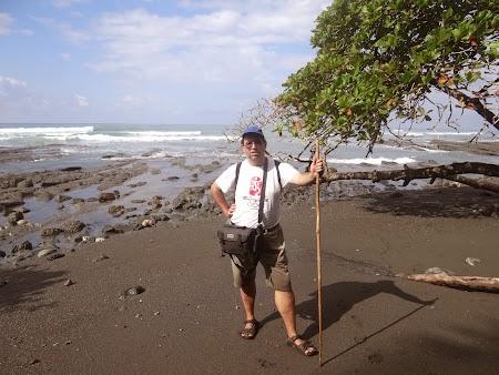 24. Pe plaja Pacificului.JPG