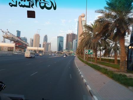 Imagini cu soselele din Dubai la primele ore are diminetii
